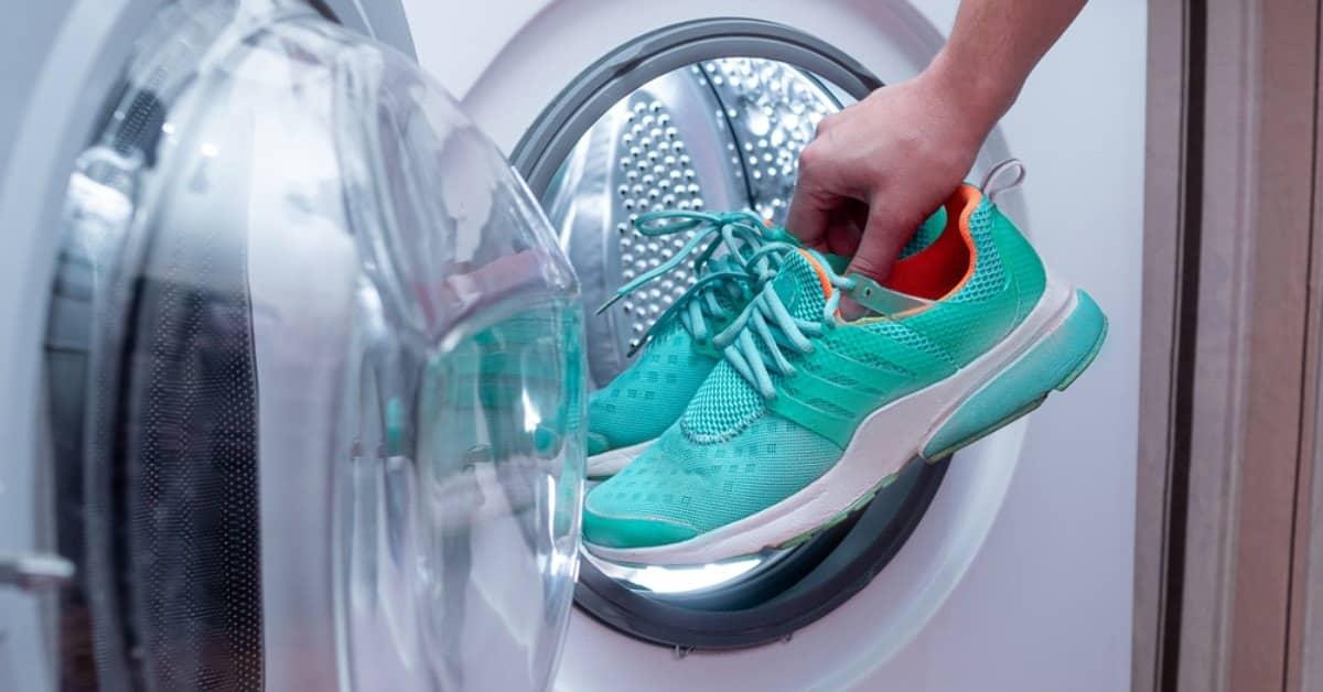 put shoes in washing machine