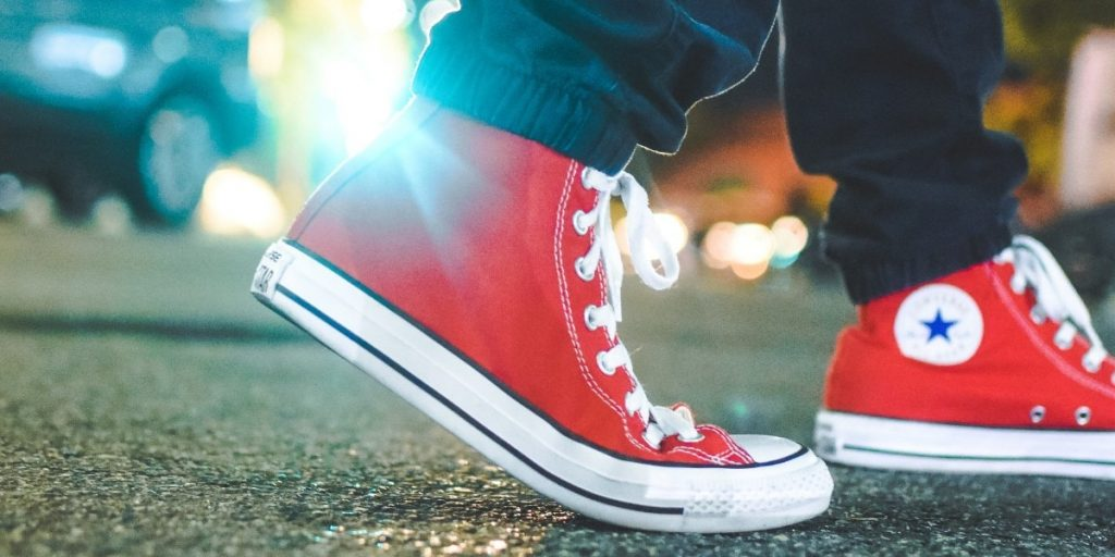 what to look for in walking shoes